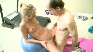 Buldheaded instructor eats Chastity Lynn pussy juice image