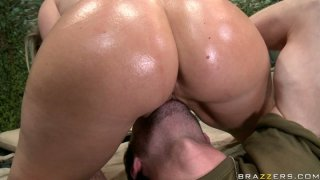 Kinky whore Devon Lee facesits James Deen image