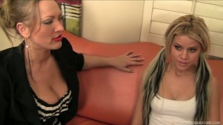 Sultry kitties Vicky Vixen and Jessa Rhodes get caught on the customs control image