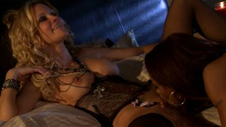 Jessica Drake and Marie Luv show how lesbian duet should fuck image