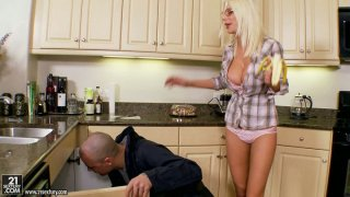 Tanned housewife Puma_Swede gives a deepthroat to her neighbor image