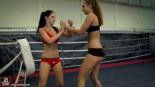 Image: Severe wrestler Jessyka Swan gonna have a rough catfight