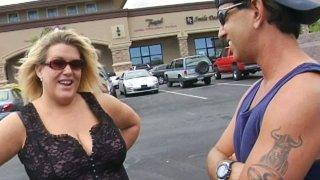 bbw enjoi masage sex - Mature bbw jena sucks on a kinky dick in hot sex video image