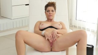 Charm Step-Mama Nicol Gets nailed_Hot Her Step-son image