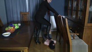pissing sofia: Sofia hard trampling image