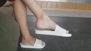 Candid Feet - Melissa Beach Slide (White) image