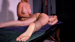Popular fanfinifon 3: 3 babes, 2 hot lesbian massages image