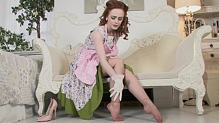 Redhead in_vintage clothes image