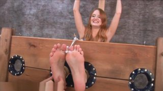 CZ HD - Gab1na Feet Tickle 3 image