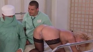 Urinprobe nicht_storen urin-probe_(pissing, fisting, enema image