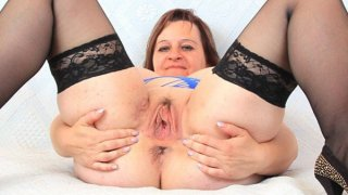 Masturbation and fuck hole stretch with ripe brunette image