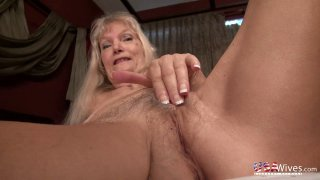 USAwives Pictures Gallery in Hot Slideshow Video image