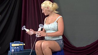 suck milky & Mia's milky tits image