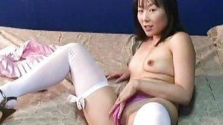 Adorable_Asian_mom_got_dressed_up_for_the_webcam_m image