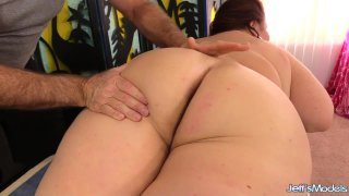 Mature_BBW_Lady_Lynn_Gets_Her_Beautiful_Body_Worshipped_by_Old_Masseur image
