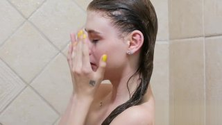 Teenie Teen, 18, takes sexy shower in 4K image