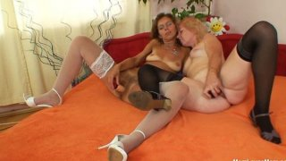 Unshaven amateur-mom gets toyed by perverse blond dame image