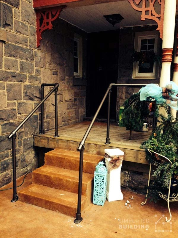 20 Beautiful Railings Built With Pipe Simplified Building | Industrial Pipe Stair Railing | Threaded Pipe | Rail | Banister | Galvanized Pipe | Wall
