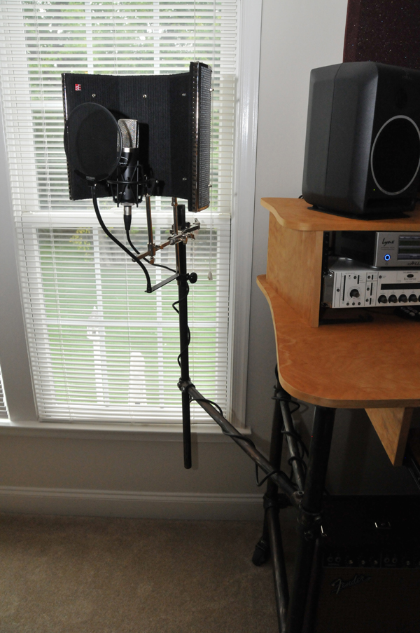 Rolling Recording Desk with Microphone Stand Desk Week