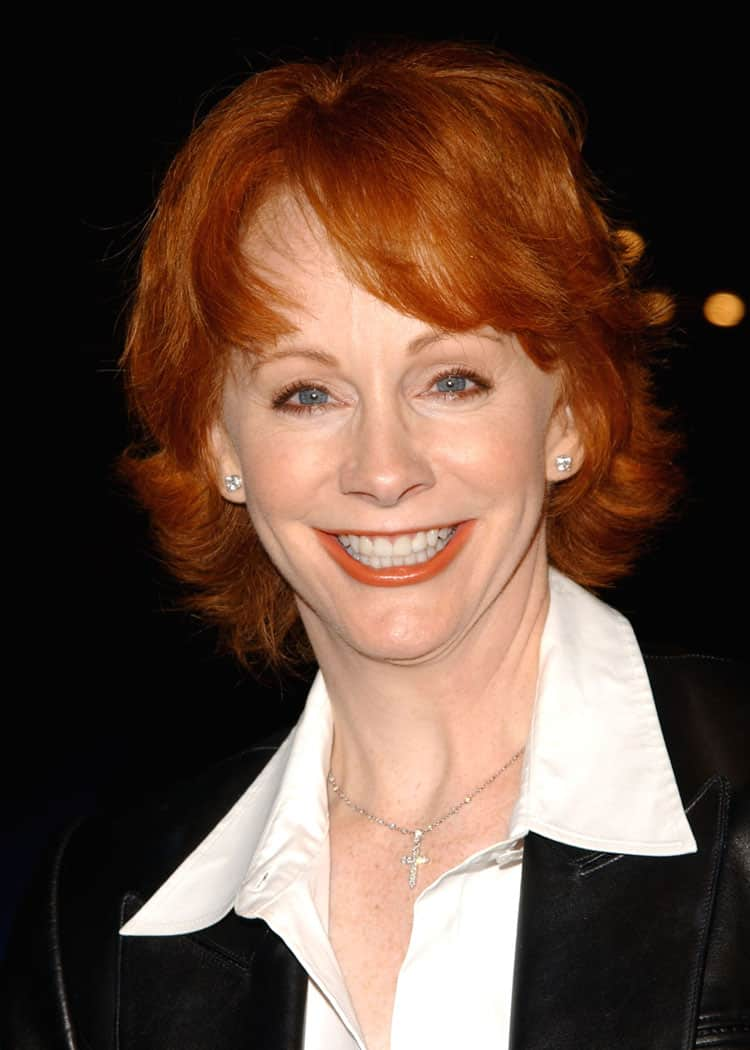 """At 60. Reba McEntire Definitely Isn't Singing """"Consider Me Gone"""" 