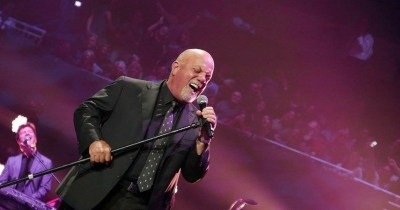 Billy Joel Plays Tributes To New Orleans & His Hits ...