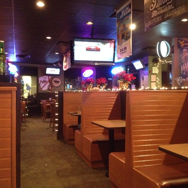 Review of Blue Moose Burgers  Wings in Pigeon Forge