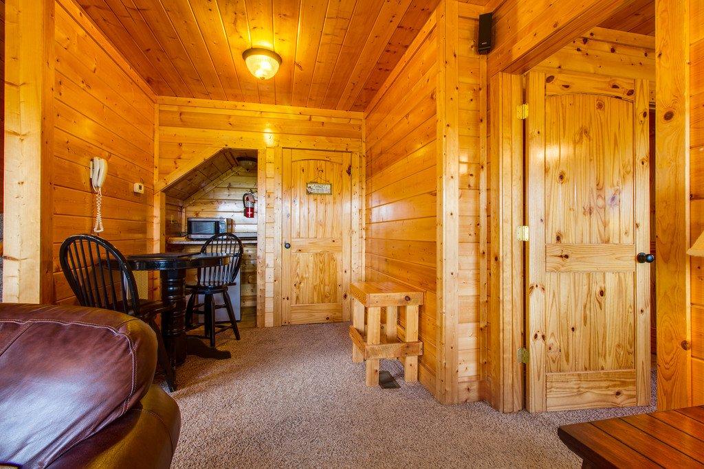 electric sleeper sofa arketipo loft preis cub castle in sevierville w/ 2 br (sleeps8)