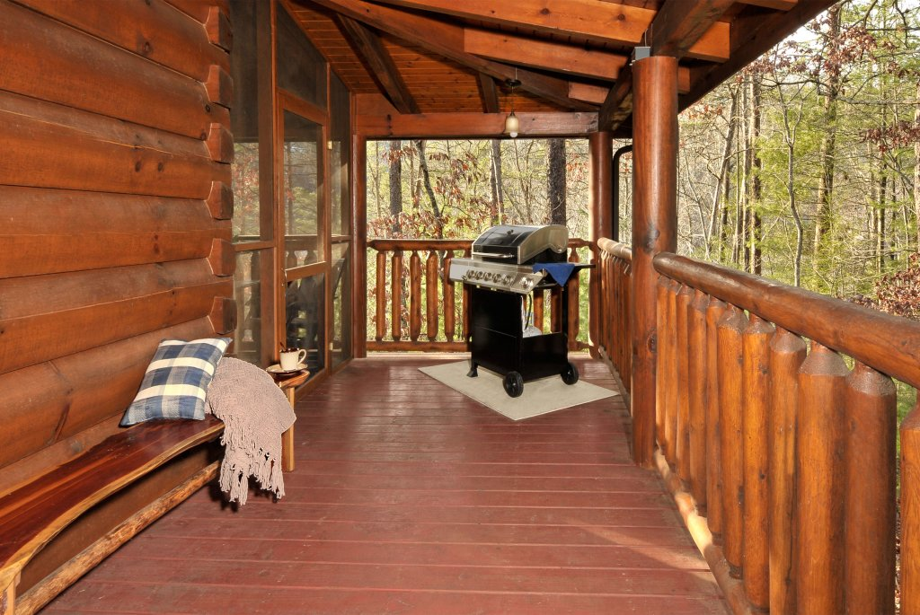 Enchanted Forest Cabin in Pigeon Forge w 2 BR Sleeps10