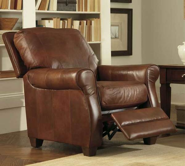 Bowden 2948  Sofas and Sectionals