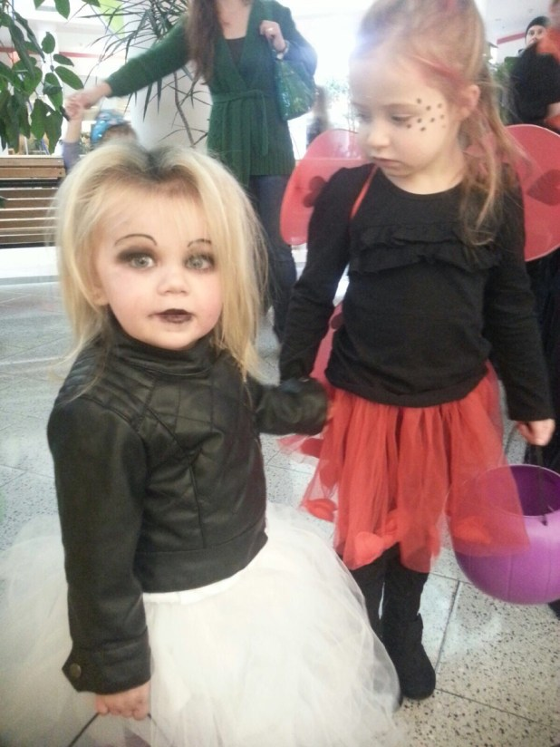 kids whose halloween costumes are actually terrifying someecards