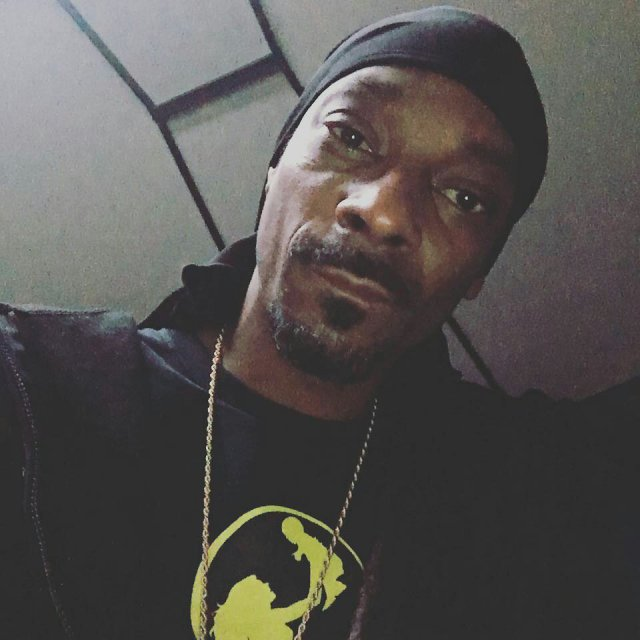 """""""If The Church Was Full of Saints it wouldn't be right"""" - Snoop Dogg blast Christians"""