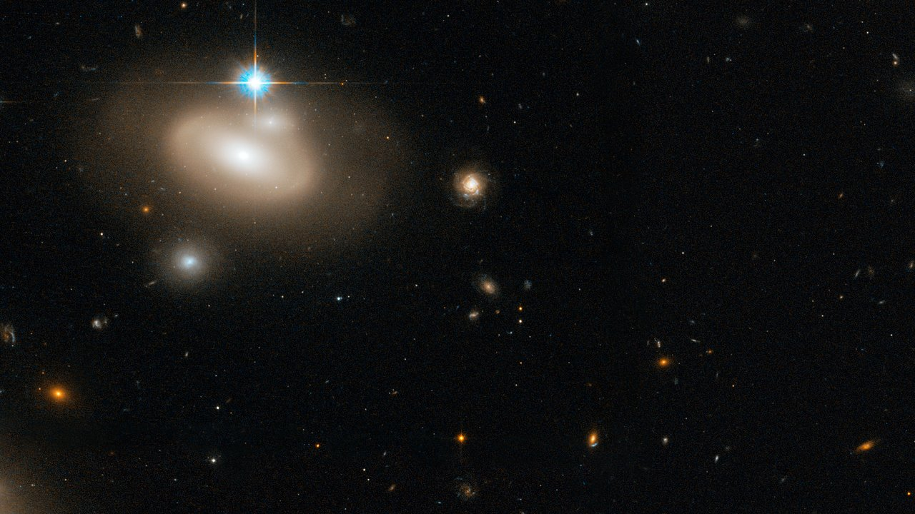 Hubble S Sweeping View Of The Coma Galaxy Cluster Esa Hubble