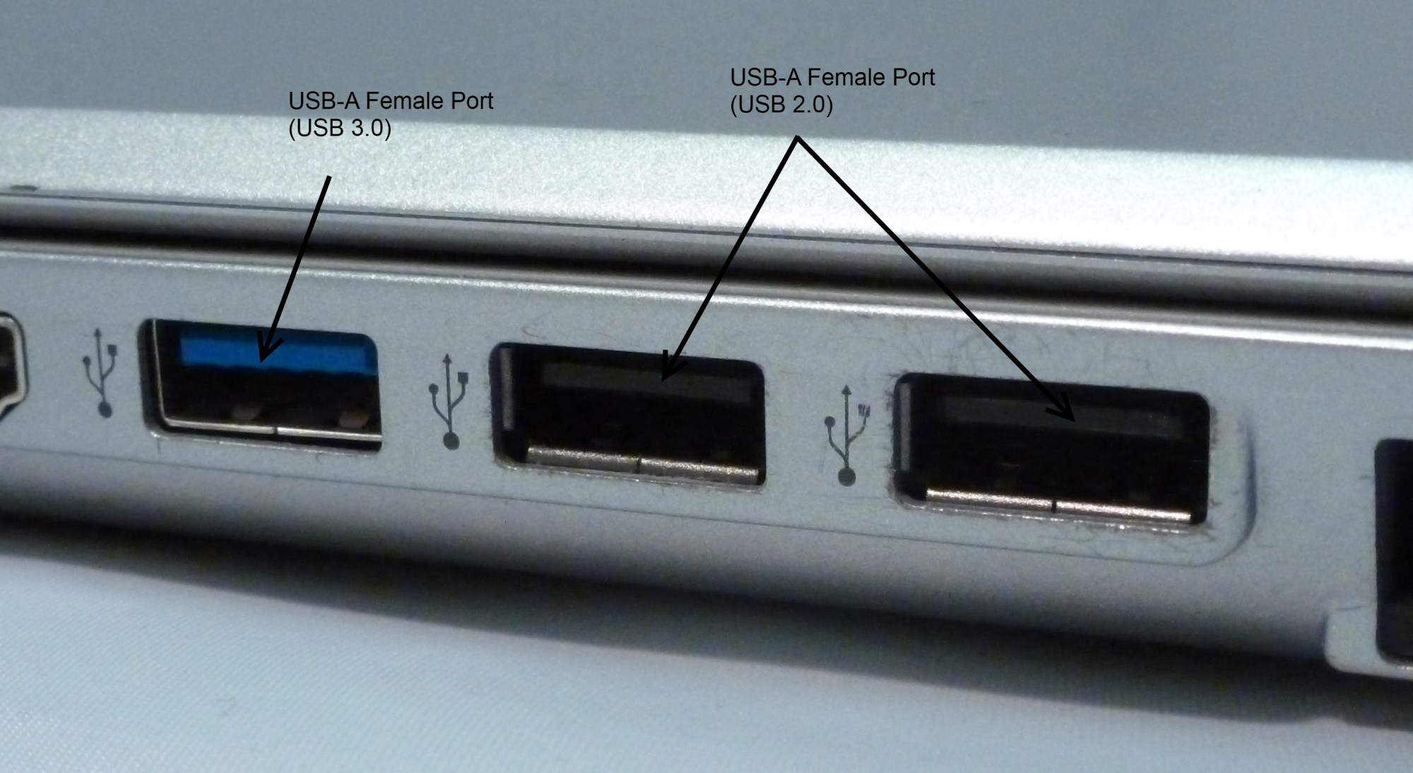 hight resolution of usb a ports on a laptop computer