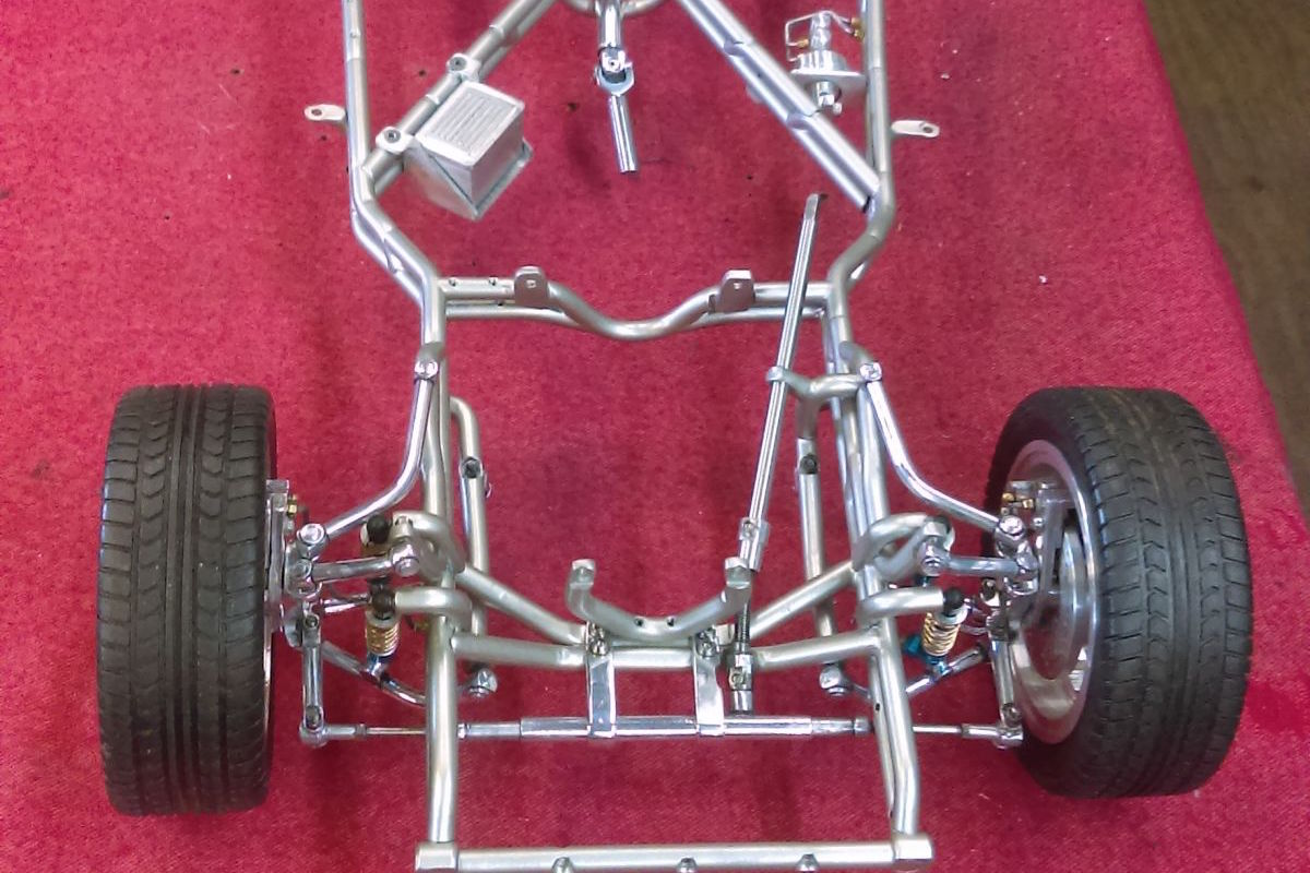 Front 25 Independent Scale Suspension 1