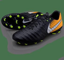 Футбол үшін кроссовкалар2.