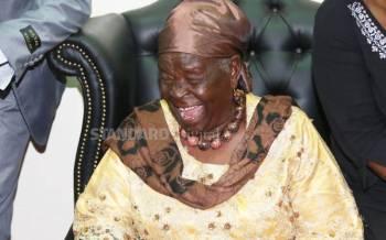 Kenyans mourn Mama Sarah Obama