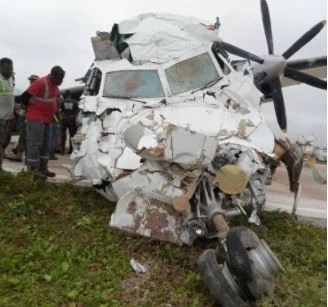 Kenyan plane crashes in Somalia, two injured