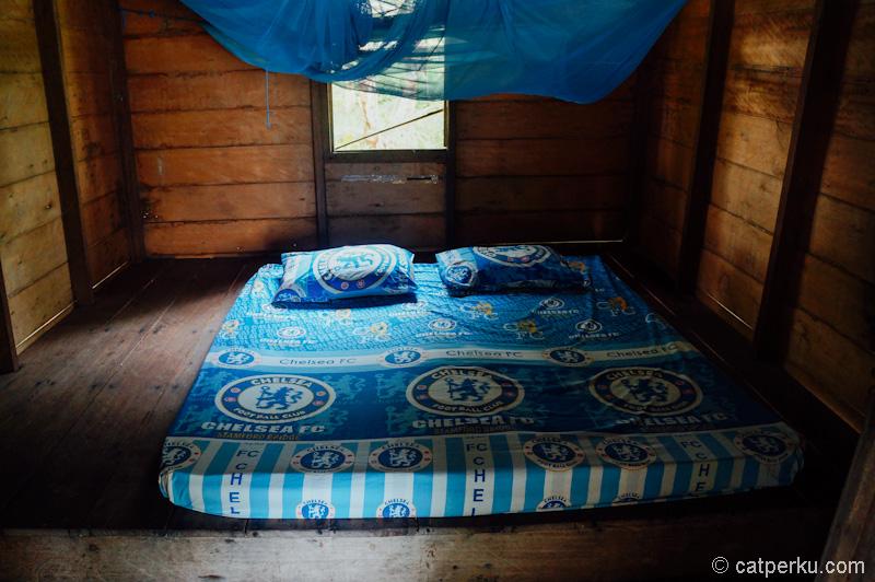 Bagian dalamnya bisa berupa double bed
