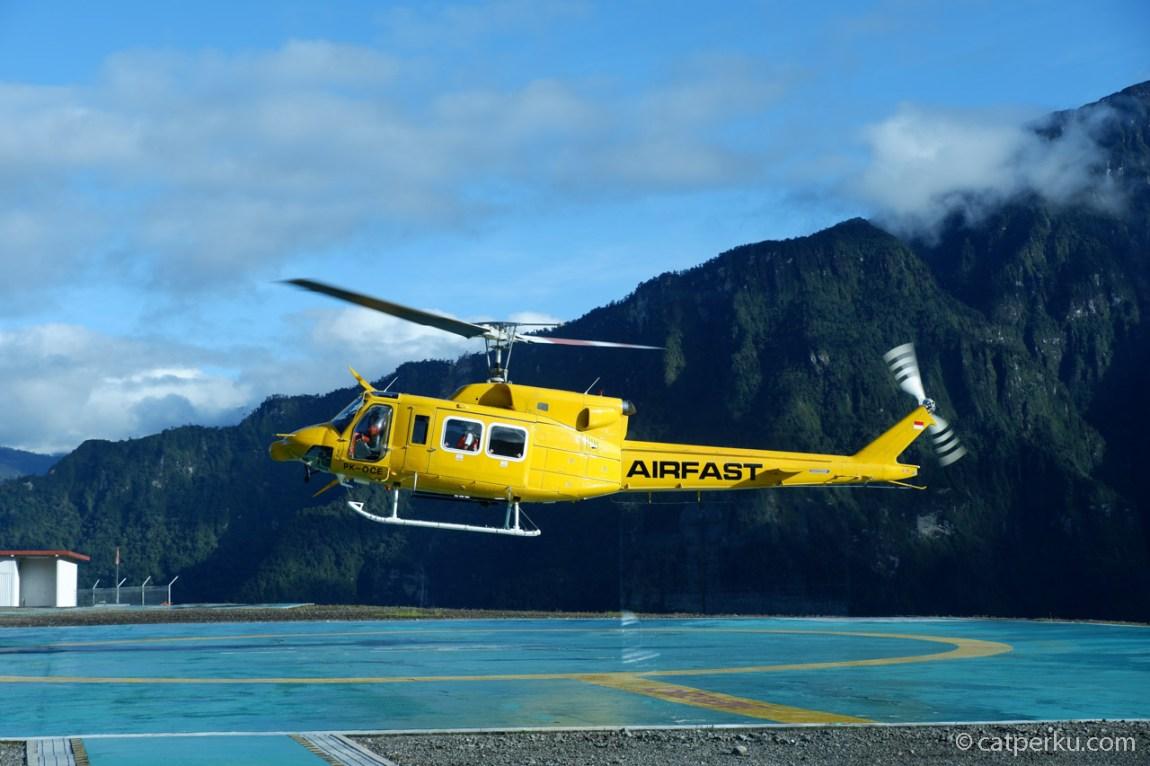 Helikopter Airfast take off dari Heliport Aing Bugin, Tembagapura