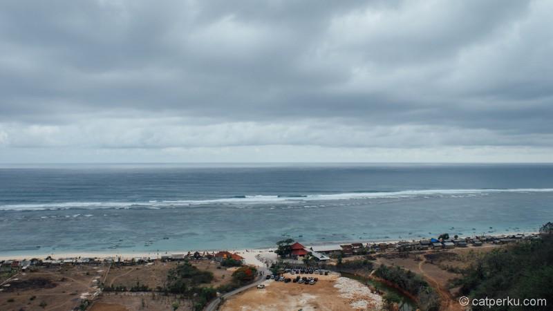 Ini adalah salah satu Pantai Di Bali yang keren luar biasa!