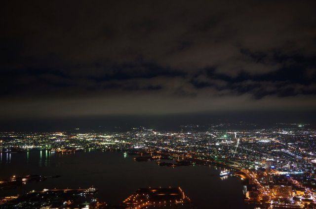Hakodate is engulfed with many city light from any direction, and it is beautiful!