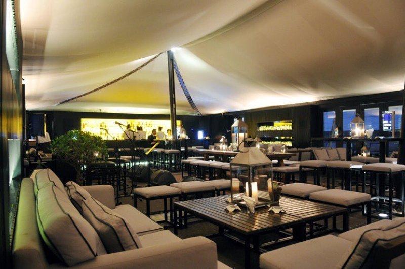 Shy Roof top at ThePapilion, Jl. Kemang Raya No. 45AA (Rooftop Hotel Papilion) via @thepapilion