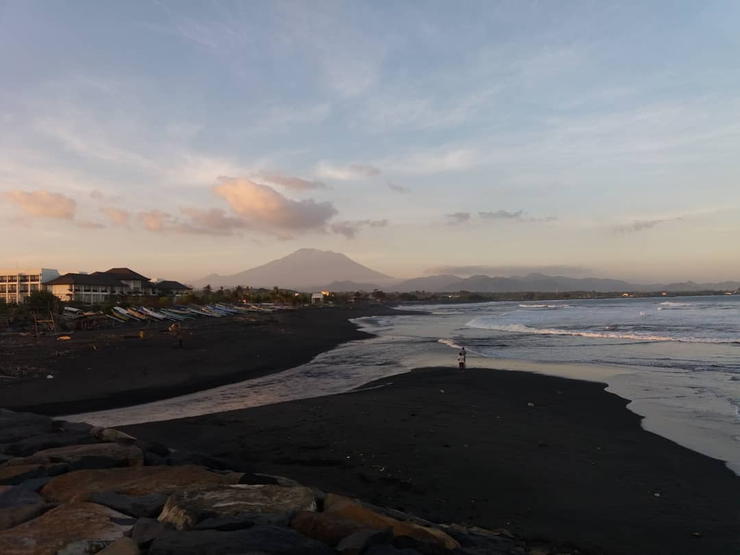 Foto Lebih Beach, Gianyar, Bali