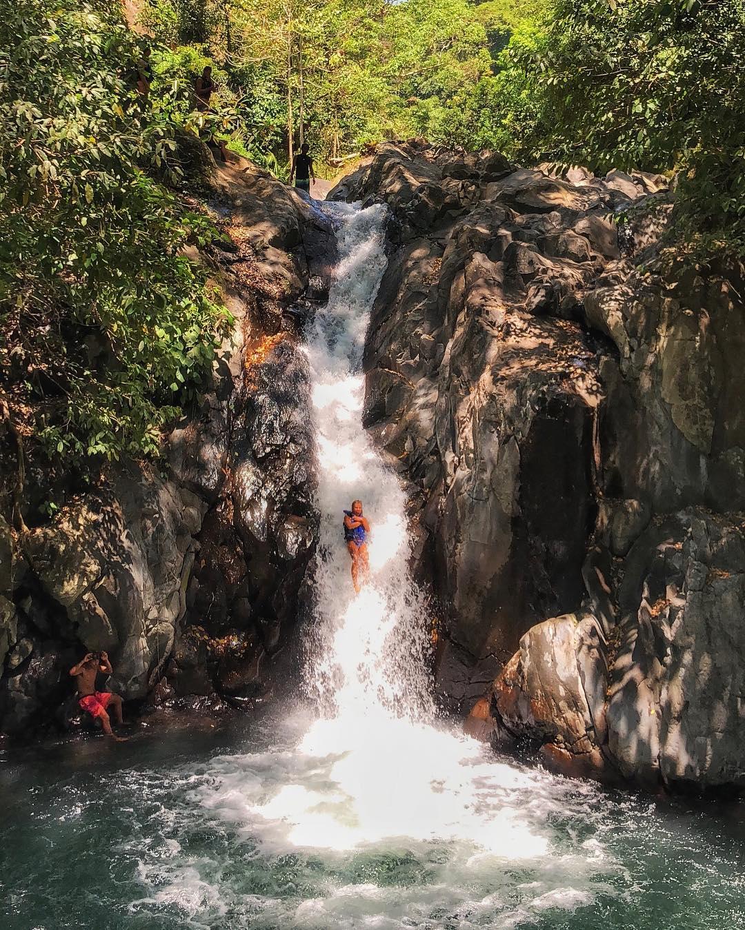 How to Go to Aling Aling Waterfall Bali Buleleng! via @ninahennig_