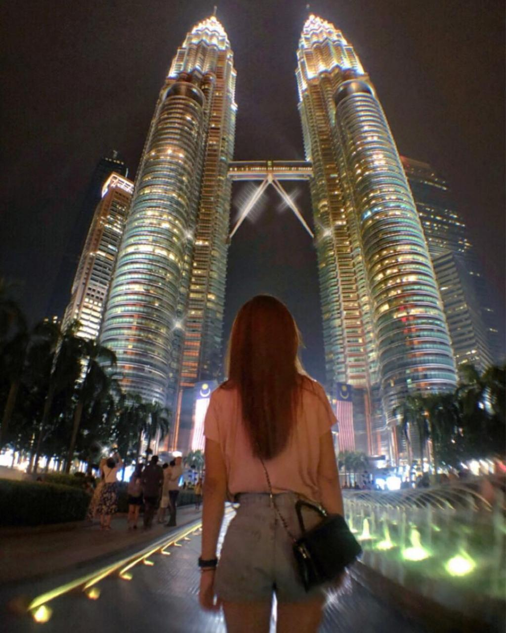 Petronas Twin Towers, Most Popular Tourist Attractions In Malaysia