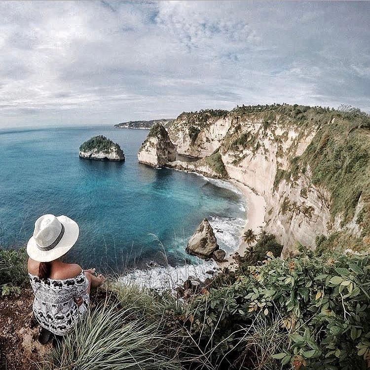 Pantai Atuh yang ada di Nusa Penida ini kian hari makin ...