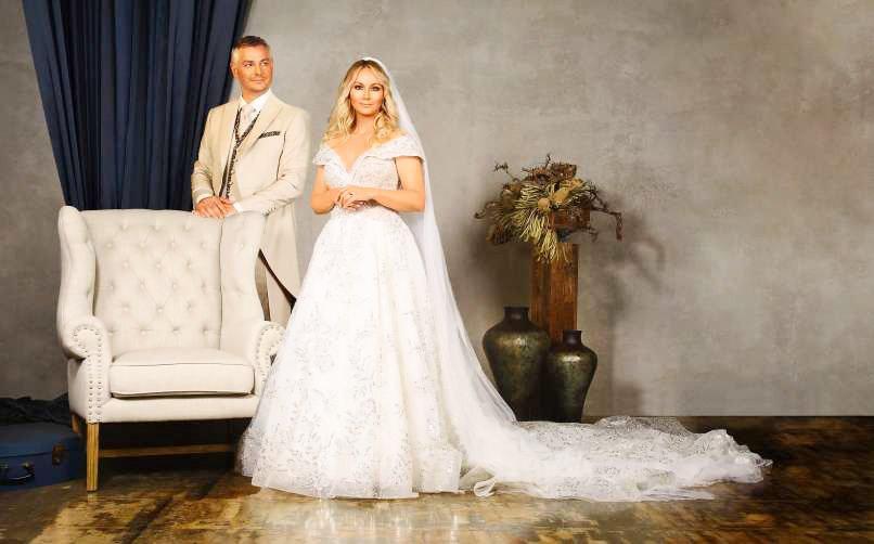 Saša Lendero Herzog, kot se po junijski poroki piše priljubljena pevka, voditeljica in glasbenica, pravi, da je lepo biti poročen. Pa je kaj drugače?
