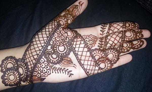 Henna Telapak Tangan Simple Dan Cantik