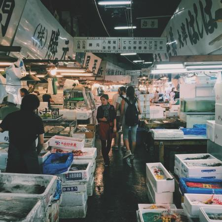 korea wet market meat seafoods vendor people box