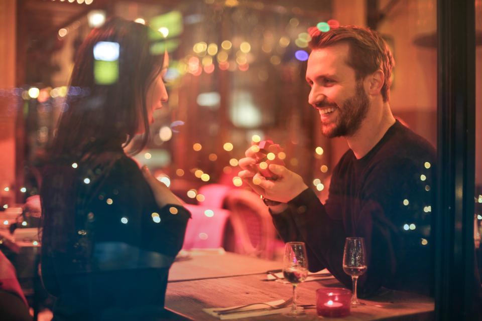 法國男人沒有想像中浪漫?來自街頭的讚美其實隱藏了這個危機 ‧ A Day Magazine
